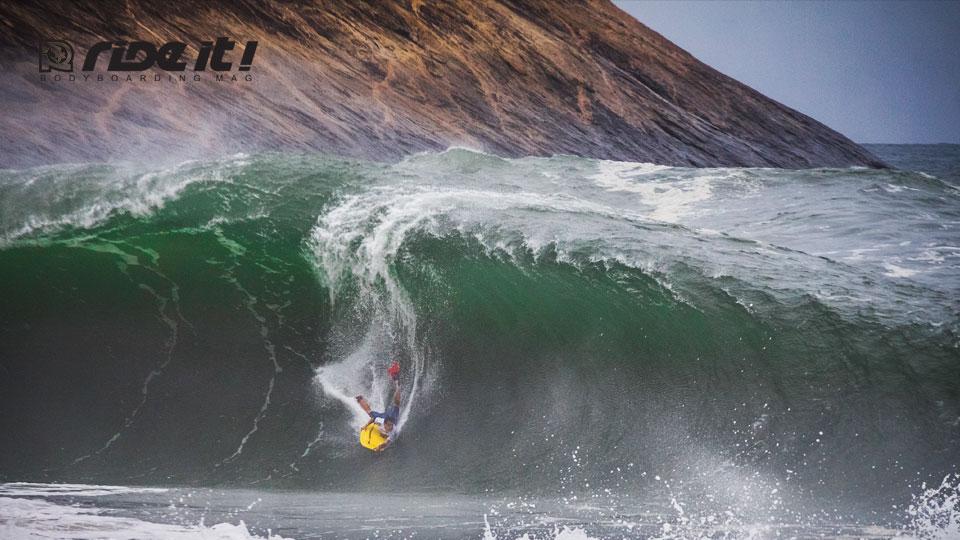 Após passar por Pipeline (Havaí) e Teahupoo (Taiti), circuito mundial chega ao Brasil na próxima semana. Etapa faz parte de um grupo seleto de eventos especiais ao longo do ano. Alan Munoz (foto) é um dos destaques da etapa - Foto: Luciano Arribillaga