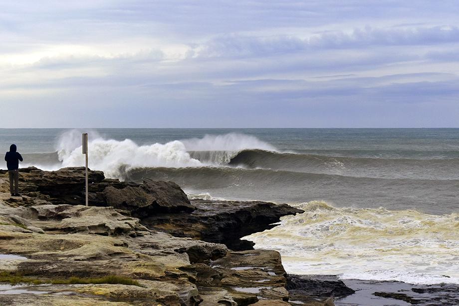 Big swell em Maroubra Beach, 2015, Sydney